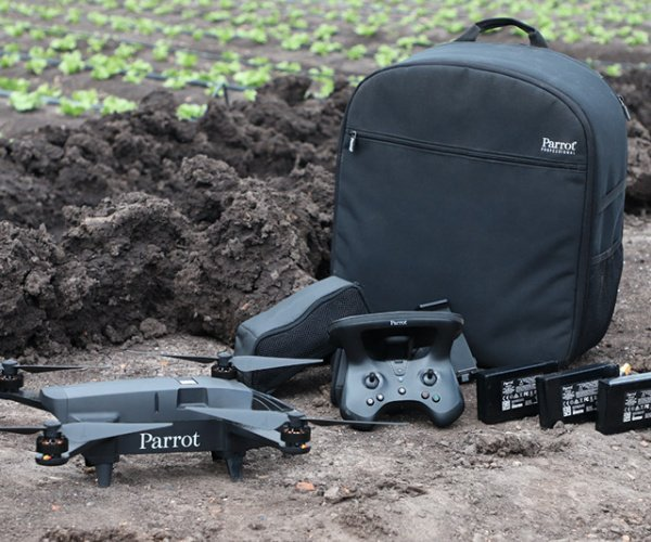 Parrot Bluegrass Fields drone with all its equipments.